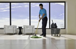 https://bigheartshomecare.ca/wp-content/uploads/2015/11/Commercial-Cleaning-Services-320x208.jpg