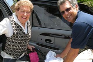 http://bigheartshomecare.ca/wp-content/uploads/2015/12/Errands-Transportation-320x213.jpg