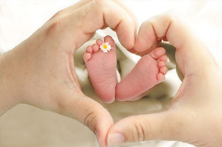 http://bigheartshomecare.ca/wp-content/uploads/2015/12/Postpartum-care-320x213.jpg