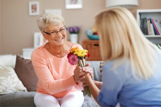 https://bigheartshomecare.ca/wp-content/uploads/2015/12/companionship-care-1-320x213.jpg